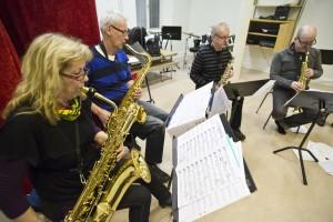 130228 saxofonkör 03