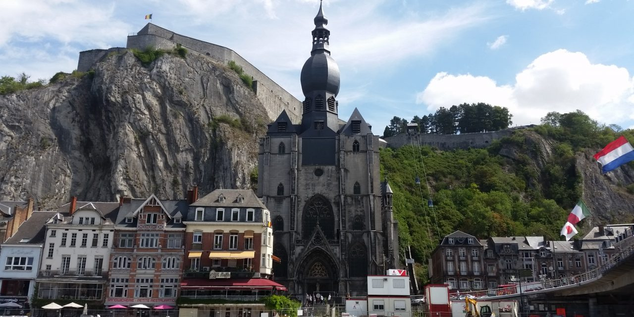 Givet och tillbaka till Namur i Belgien
